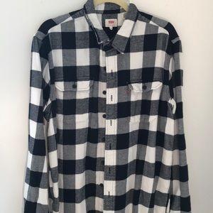 Men's Levi's extra-large black and white shirt